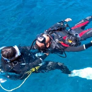 diving-first-aid-shop-hover