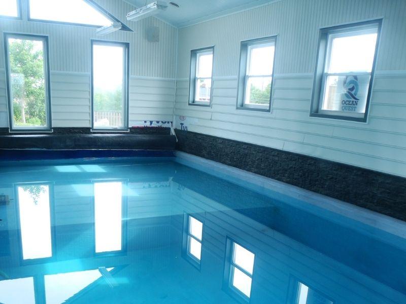 lodge-indoor-pool